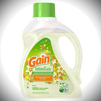 Gain® Botanicals™ Plant Based Laundry Detergent uploaded by Nicole A.