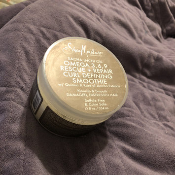 Photo of SheaMoisture Sacha Inchi Oil Omega-3-6-9 Rescue + Repair Curl Defining Smoothie uploaded by Kendro T.