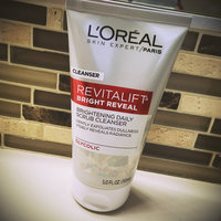 L'Oréal Paris RevitaLift® Bright Reveal Brightening Daily Scrub Cleanser uploaded by Amanda B.