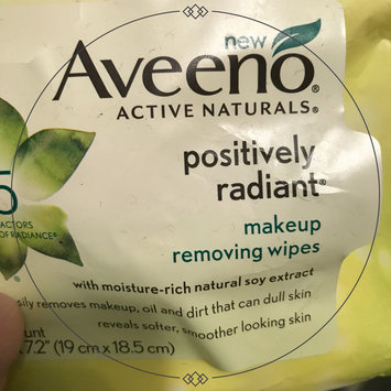 Photo of Aveeno® Active Naturals Positively Radiant Makeup Removing Wipes uploaded by Alyssa B.