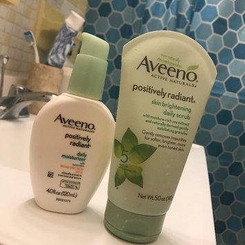 Photo of Aveeno Positively Radiant Skin Brightening Daily Scrub uploaded by Aura C.