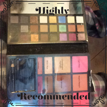 Photo of Profusion The Trendsetter Face Palette uploaded by Nicole B.