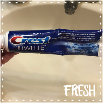Photo of Crest 3D White Arctic Fresh Whitening Toothpaste uploaded by Mariana R.
