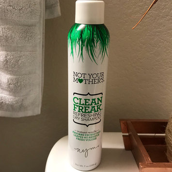 Photo of Not Your Mother's® Clean Freak™ Refreshing Dry Shampoo uploaded by Rini S.