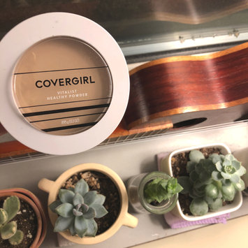 Photo of COVERGIRL Vitalist Healthy Setting Powder uploaded by Ingrid A.