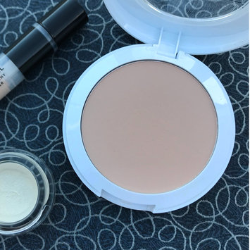 Photo of COVERGIRL Vitalist Healthy Setting Powder uploaded by Hannah C.