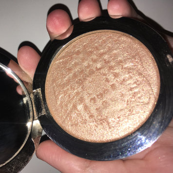 Photo of Dior Diorskin Nude Air Luminizer Powder Shimmering Sculpting Powder uploaded by Avery S.