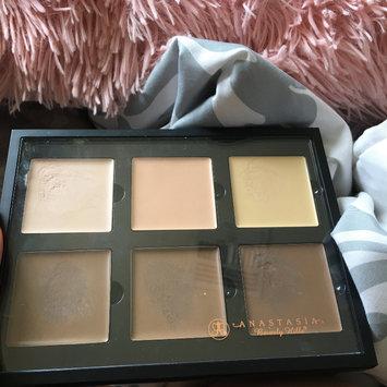 Photo of Anastasia Beverly Hills Contour Cream Kit uploaded by Rocio Yael C.
