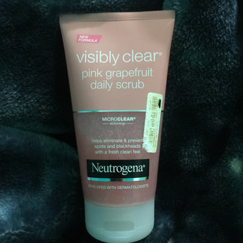 Photo of Neutrogena® Oil-Free Acne Wash Pink Grapefruit Foaming Scrub uploaded by nehal E.