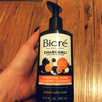 Photo of Bioré Charcoal Acne Clearing Cleanser uploaded by Diana R.
