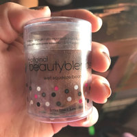 the original beautyblender® swirl uploaded by Mireia F.