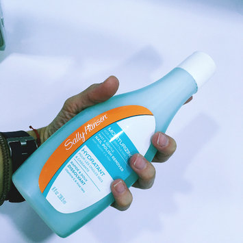 Photo of Sally Hansen® Sensitive & Artificial Nails Nail Polish Remover uploaded by Espe D.