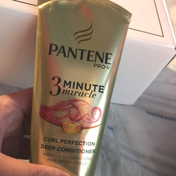 Photo of Pantene 3 Minute Miracle Moisture Renewal Deep Conditioner uploaded by Amanda💋 M.