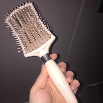 Photo of ECOTOOLS SMOOTHING DETANGLER HAIR BRUSH uploaded by Amber G.