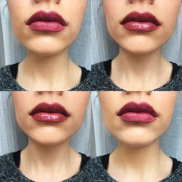 Photo of Huda Beauty Contour & Strobe Lip Set Trophy Wife (rose wood) / Shameless (chameleon sheer base encapsulating gold and pink pearls) uploaded by Noemi B.