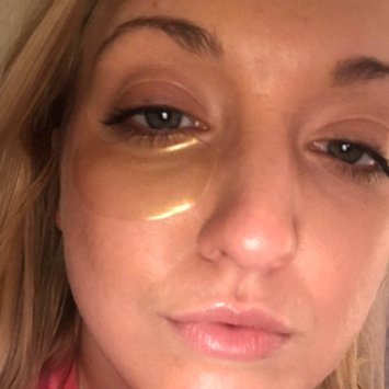 Photo uploaded to Peter Thomas Roth 24K Gold Pure Luxury Lift and Firm Hydragel Eye Patches 60 ct by Taylor P.