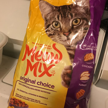Photo of Meow Mix Original Choice Cat Food uploaded by Karel M.