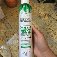 Not Your Mother's® Clean Freak™ Refreshing Dry Shampoo uploaded by Gabriela O.