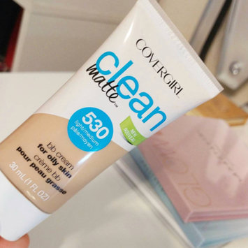 Photo of COVERGIRL Clean Matte BB Cream uploaded by кαιℓα ѕ.