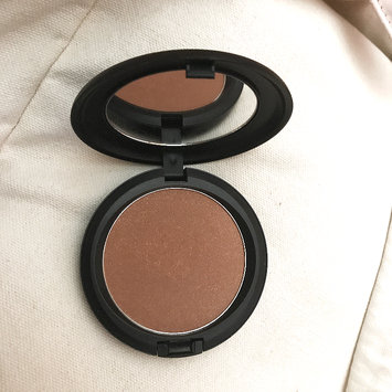 Photo of M.A.C Cosmetic Bronzing Powder uploaded by Adele L.