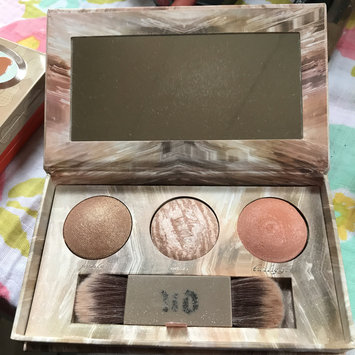 Photo of Urban Decay Naked Illuminated Trio Shimmering Powder for Face and Body uploaded by Danielle B.