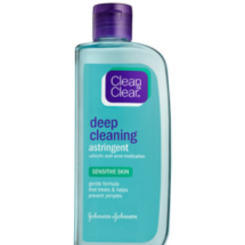 Photo of Clean & Clear® Essentials Deep Cleaning Toner For Sensitive Skin uploaded by Mora E.