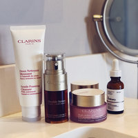 Clarins Double Serum Complete Age Control Concentrate uploaded by Jessica M.