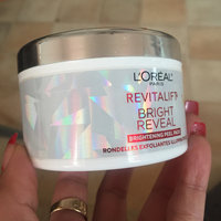 L'Oréal Paris RevitaLift® Bright Reveal Brightening Daily Peel Pads uploaded by Jennifer L.