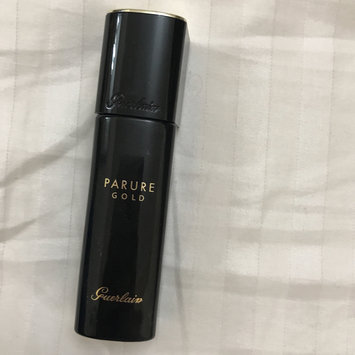 Photo of Guerlain Parure Gold Fluid Radiance Foundation uploaded by Mai R.
