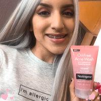 Neutrogena® Oil-Free Acne Wash Pink Grapefruit Foaming Scrub uploaded by MERELY A.