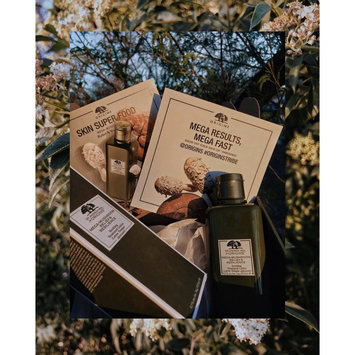 Photo of Origins Dr. Andrew Weil For Origins™ Mega-Mushroom Relief & Resilience Soothing Treatment Lotion uploaded by Keren C.