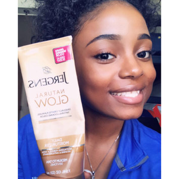 Photo of JERGENS® Natural Glow® Daily Moisturizer uploaded by Ro 💋.