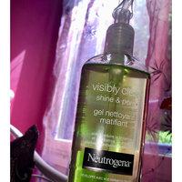Neutrogena Visibly Clear Pore & Shine Daily Wash (200ml) uploaded by Sadia B.