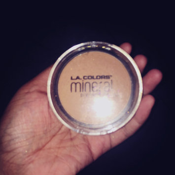 Photo of L.A. Colors Mineral Pressed Powder uploaded by Kia S.