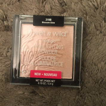 Photo of wet n wild MegaGlo Highlighting Powder uploaded by Kayla J.