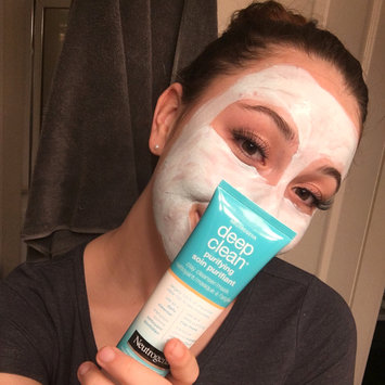 Photo of Neutrogena® Deep Clean® Purifying Clay Cleanser & Mask uploaded by Shayla L.