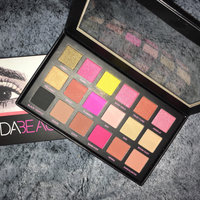 Huda Beauty Textured Eyeshadows Palette Rose Gold Edition uploaded by Nuraan C.