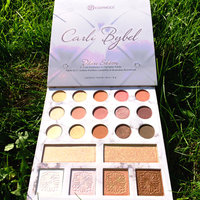 BH Cosmetics Carli Bybel Deluxe Edition 21 Color Eyeshadow & Highlighter Palette uploaded by Roberta H.