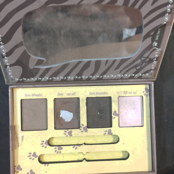 Photo of Essence How to Make Brows Wow Make-up Box uploaded by April H.