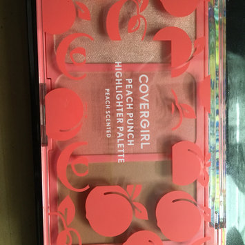 Photo of COVERGIRL Peach Punch Highlighter Palette uploaded by Abi B.
