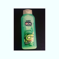 Alberto VO5®  Herbal Escapes Clarifying Shampoo Kiwi Lime Squeeze uploaded by Young&pretty R.