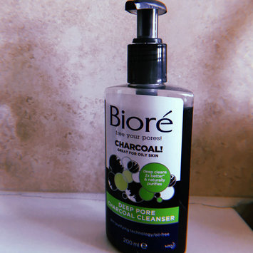 Photo of Bioré Deep Pore Charcoal Cleanser uploaded by SARA C.
