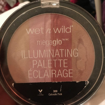 Photo of wet n wild MegaGlo Illuminating Powder uploaded by donya a.