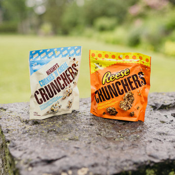 Photo of Hershey's Cookies 'n' Creme Crunchers uploaded by Olya G.