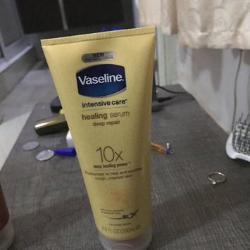 Photo of Vaseline Intensive Care Healing Serum Deep Repair uploaded by Sandra A.