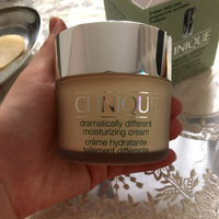 Clinique Dramatically Different™ Moisturizing Cream uploaded by Issita K.