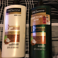 TRESemmé Botanique Nourish and Replenish Shampoo uploaded by Lupita G.