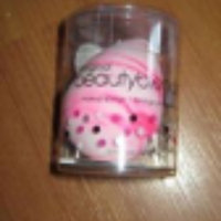 the original beautyblender® swirl uploaded by Elizabeth A.