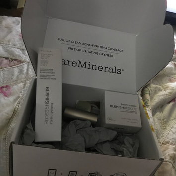 Photo of bareMinerals Blemish Rescue Skin-Clearing Loose Powder Foundation uploaded by Julaine T.