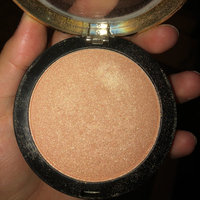 L.A. Girl Strobe Lite Strobing Powder uploaded by Noreen N.